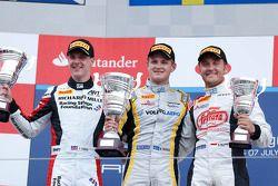 Podio: ganador de la carrera Marcus Ericsson, segundo lugar James Calado, tercer lugar Stefano Colet