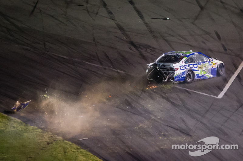 Casey Mears, Germain Racing Ford crasht