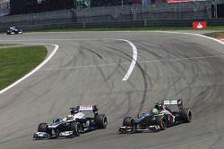 Pastor Maldonado, Williams FW35 and Esteban Gutierrez, Sauber C32, battle for position