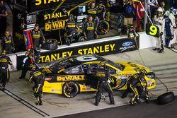 Pit stop Marcos Ambrose, Richard Petty Motorsports Ford
