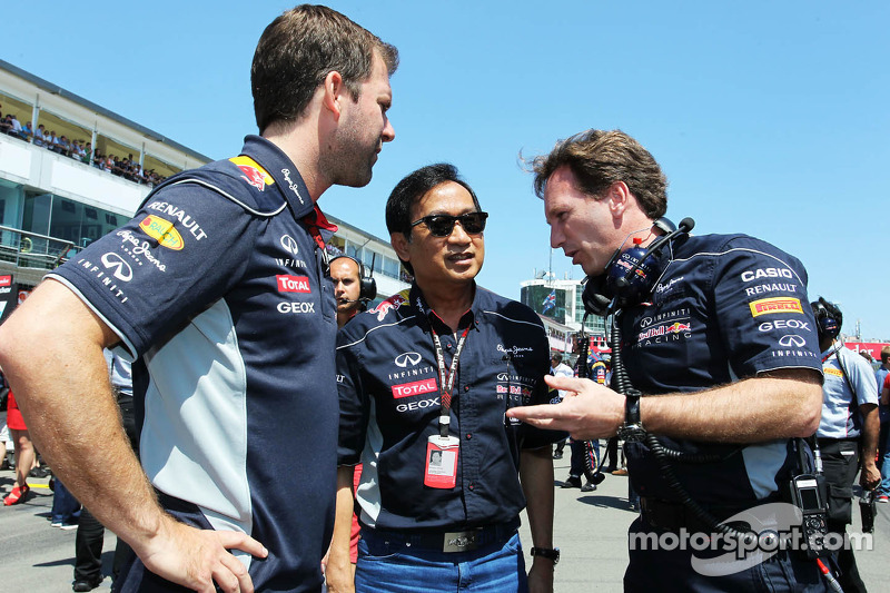Christian Horner, Red Bull Racing Team Principal, with Chalerm Yoovidhya, Red Bull Racing Co-Owner (Centre)