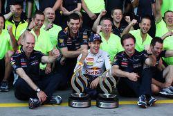Race winner Sebastian Vettel, Red Bull Racing celebrates with Adrian Newey, Red Bull Racing Chief Te