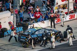 Passage aux stands pour Joe Nemechek, NEMCO Motorsports Toyota