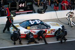 Pit stop for Cole Whitt
