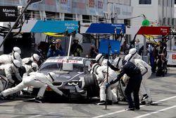 Parada en pits de Joey Hand, BMW Team RBM BMW M3 DTM