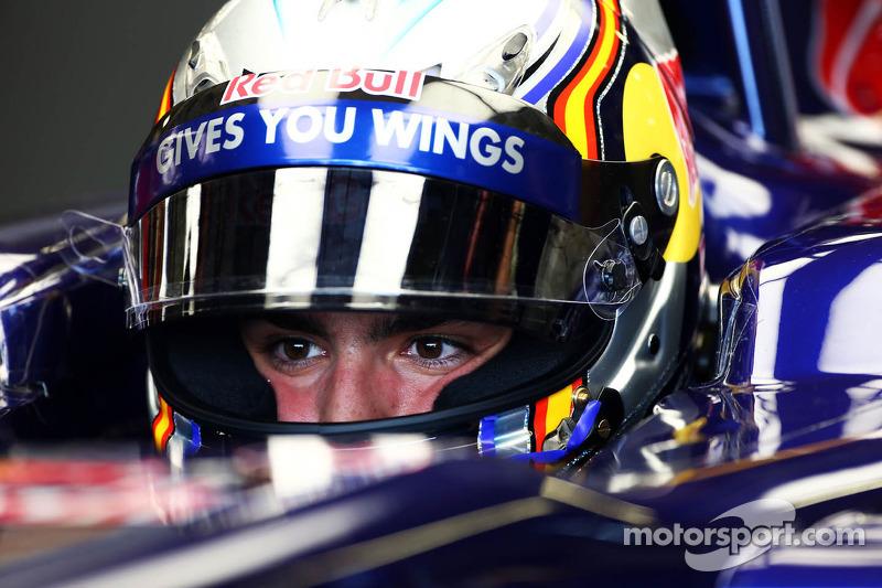 Carlos Sainz Jr., Scuderia Toro Rosso STR8 Test Driver