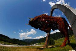 Het Red Bull standbeeld