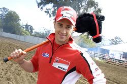 Andrea Dovizioso, Ducati Team visita un Rodeo