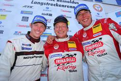 Overall Winnaars Patrick Pilet, Patrick Huisman, Klaus Abbelen, Frikadelli Racing Team, Porsche 911 GT3 R