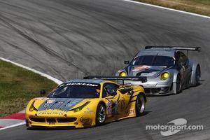 #66 JMW Motorsport Ferrari F458 Italia: Joel Camathias, Andrea Bertolini