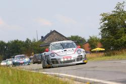 #33 Pro GT by Almeras Porsche 997 GT3R: Timo Bernhard, Jörg Bergmeister, Nicolas Lapierre