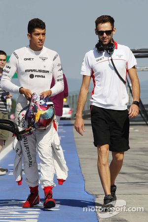 Rodolfo González, piloto de reserva del equipo de Marussia F1 con Sam aldea, Marussia F1 Team