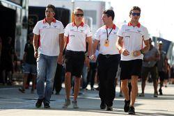 Rodolfo Gonzalez, Marussia F1 Team piloto de reserva con Max Chilton, Marussia F1 Team; Dave O'Neill