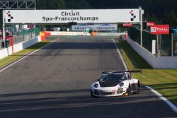 Марко Мапелли, Марко Хольцер и Ник Тэнди. Спа-Франкоршам, пятничная квалификация.