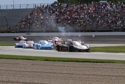 Start: #10 Wayne Taylor Racing Corvette DP: Max Angelelli, Jordan Taylor