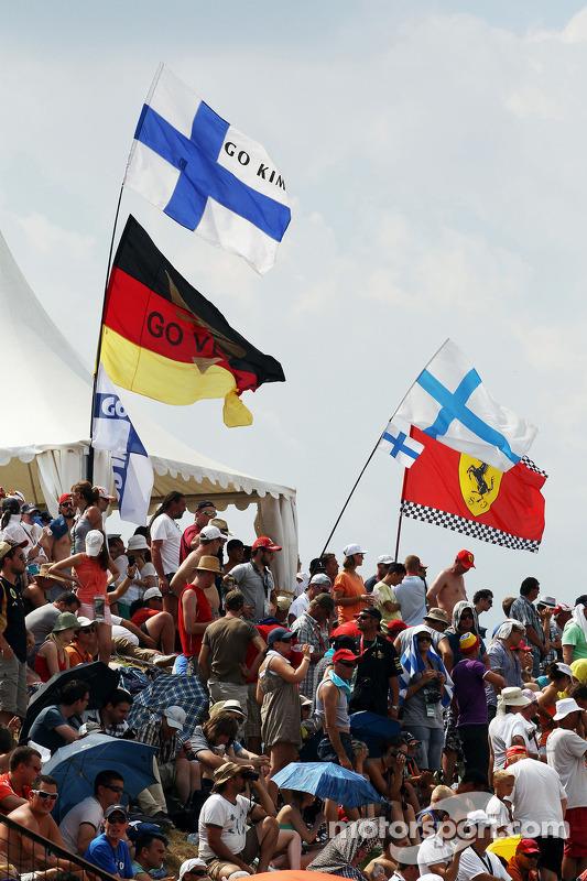 Fãs e bandeiras