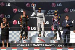 Podium : le vainqueur Lewis Hamilton, Mercedes AMG F1 W04, le second Kimi Raikkonen, Lotus F1 E21, le troisième Sebastian Vettel, Red Bull Racing