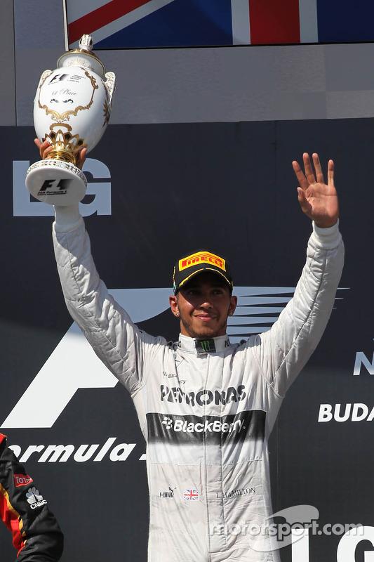 primeiro colocado: Lewis Hamilton, Mercedes AMG F1 W04