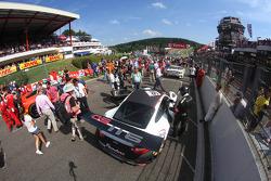 Марко Мапелли, Марко Хольцер и Ник Тэнди. Спа-Франкоршам, суббота, перед гонкой.
