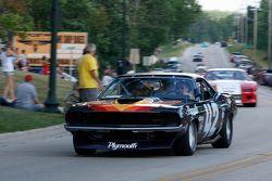 De racewagens paraderen door Elkhart Lake:#42 1970 Plymouth 'Cuda: Andy Boone