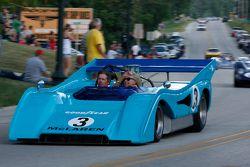 De racewagens paraderen door Elkhart Lake:#3 1972 McLaren M8F: Rick Knoop