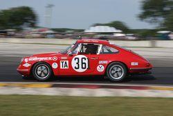 #361 1965 Porsche 911: Jerry Peters