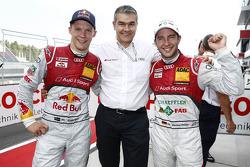 Mattias Ekström, Dieter Gass, chefe da Audi DTM, e polesitter Mike Rockenfeller