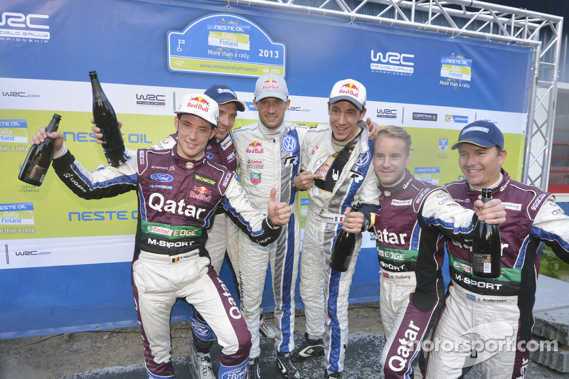 Vencedores Sébastien Ogier e Julien Ingrassia, Volkswagen Polo WRC, Volkswagen Motorsport, Segundos colocados Thierry Neuville e Nicolas Gilsoul, Ford Fiesta WRC, Qatar M-Sport WRT, terceiros colocados Mads Ostberg e Jonas Andersson, Ford Fiesta RS WRC, Q