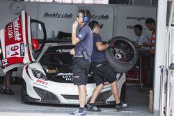 #91 AAI McLaren MP4-12C GT3: Jun San Chen, Akira Iida