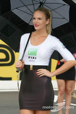 Chica Fixi Crescent Suzuki