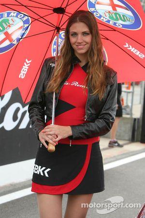 Chica Alfa Romeo