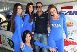 Mehdi Bennani, BMW E90 320 TC, Proteam Racing com Grid Girls