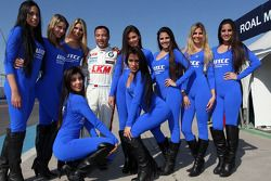 Darryl O'Young, BMW E90 320 TC, ROAL Motorsport with Grid Girls