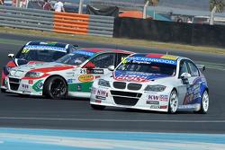 Marc Basseng, SEAT LeonWTCC, ALL-INKL.COM Munnich Motorsport, nm e Franz Engstler, BMW E90 320 TC, Liqui Moly Team