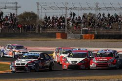 Tom Coronel, BMW E90 320 TC, ROAL Motorsport lidera Hugo Valente, SEAT LeonWTCC, Campos Racing e J