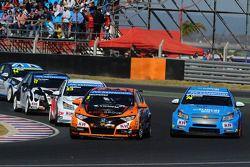 Norbert Michelisz, Honda Civic, Zengo Motorsport e Pepe Oriola, SEAT Leon WTCC, Tuenti Racing