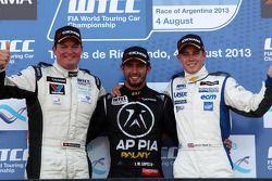 José Maria Lopez, Chevrolet Cruze 1.6T, Nika Racing et James Nash, Chevrolet Cruze 1.6 T, Bamboo Engineering