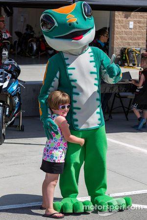 Fan with the Geico Gecko