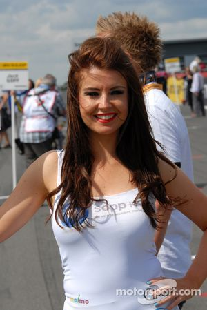 Une gridgirl Welch Motorsport