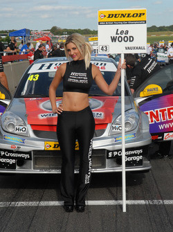Grid Girl van Lea Wood