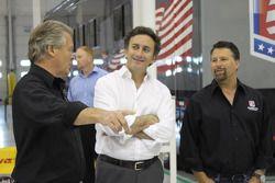 Alejandro Agag, CEO de Fórmula E Holdings con Michael Andretti, presentación de la Fórmula E Andrett