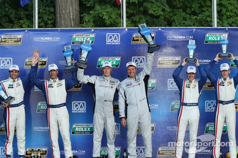 DP podium: winnaars Scott Mayer, Brendon Hartley, 2e plaats Christian Fittipaldi, Joao Barbosa, 3e p
