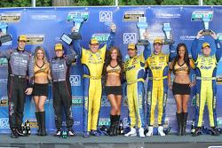 GT pódio: vencedores Paul Dalla Lana, Bill Auberlen, segunda posição Patrick Long, Patrick Lindsey,