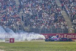 Brendon Hartley, Scuderia Toro Rosso STR12 retires from the race