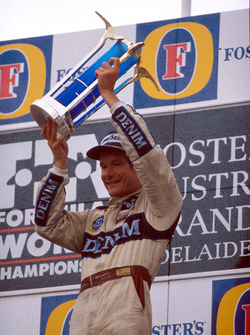 Подиум: победитель Тьерри Бутсен, Williams Renault