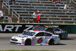 Trevor Bayne, Roush Fenway Racing Ford and Ty Dillon, Germain Racing Chevrolet