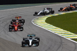 Valtteri Bottas, Mercedes AMG F1 W08, Kimi Raikkonen, Ferrari SF70H, Max Verstappen, Red Bull Racing RB13, Felipe Massa, Williams FW40