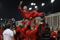 AF Corse team celebran