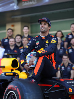 Daniel Ricciardo, Red Bull Racing en la foto de equipo de Red Bull Racing