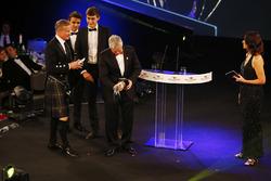 Derek Warwick receives a lifetime achievement award